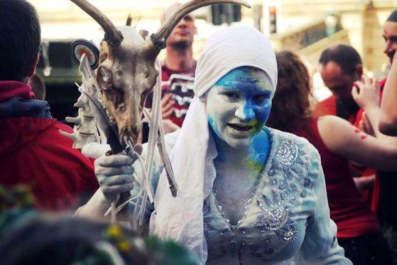 Samhuinn 2015 Cailleach Liza Stolton, photographed by Bleu Hope at the Edinburgh Carnival 2015