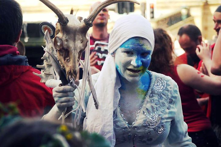 Samhuinn 2015 Cailleach Liza Stolton, photographed by Bleu Hope at the Edinburgh Carnival 2015