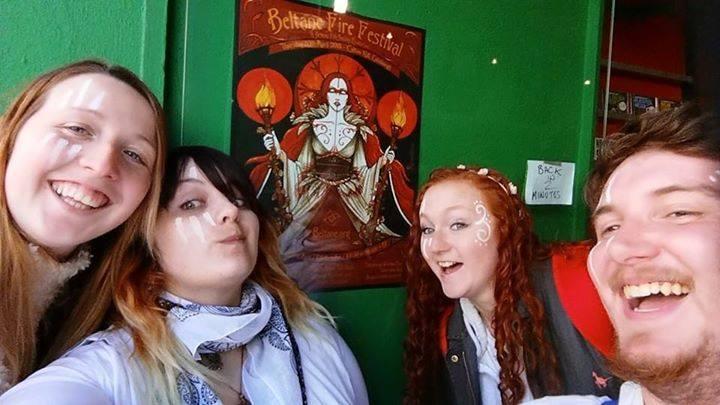 Whites Poster Selfie 2015